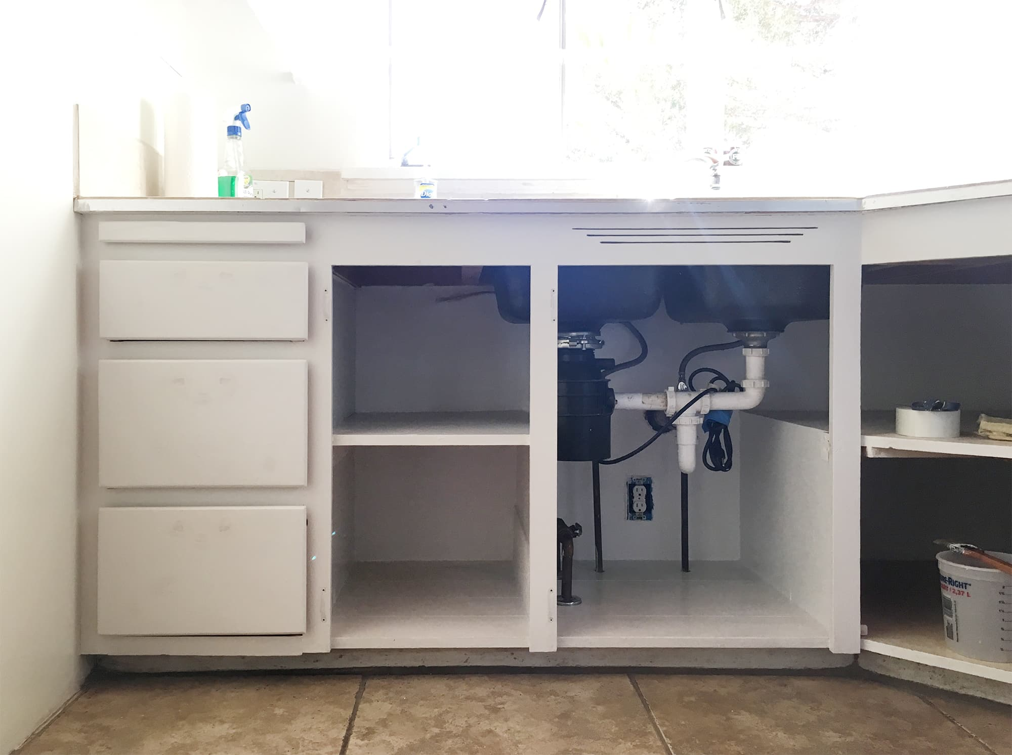 painting kitchen cabinets - doorsixteen.com