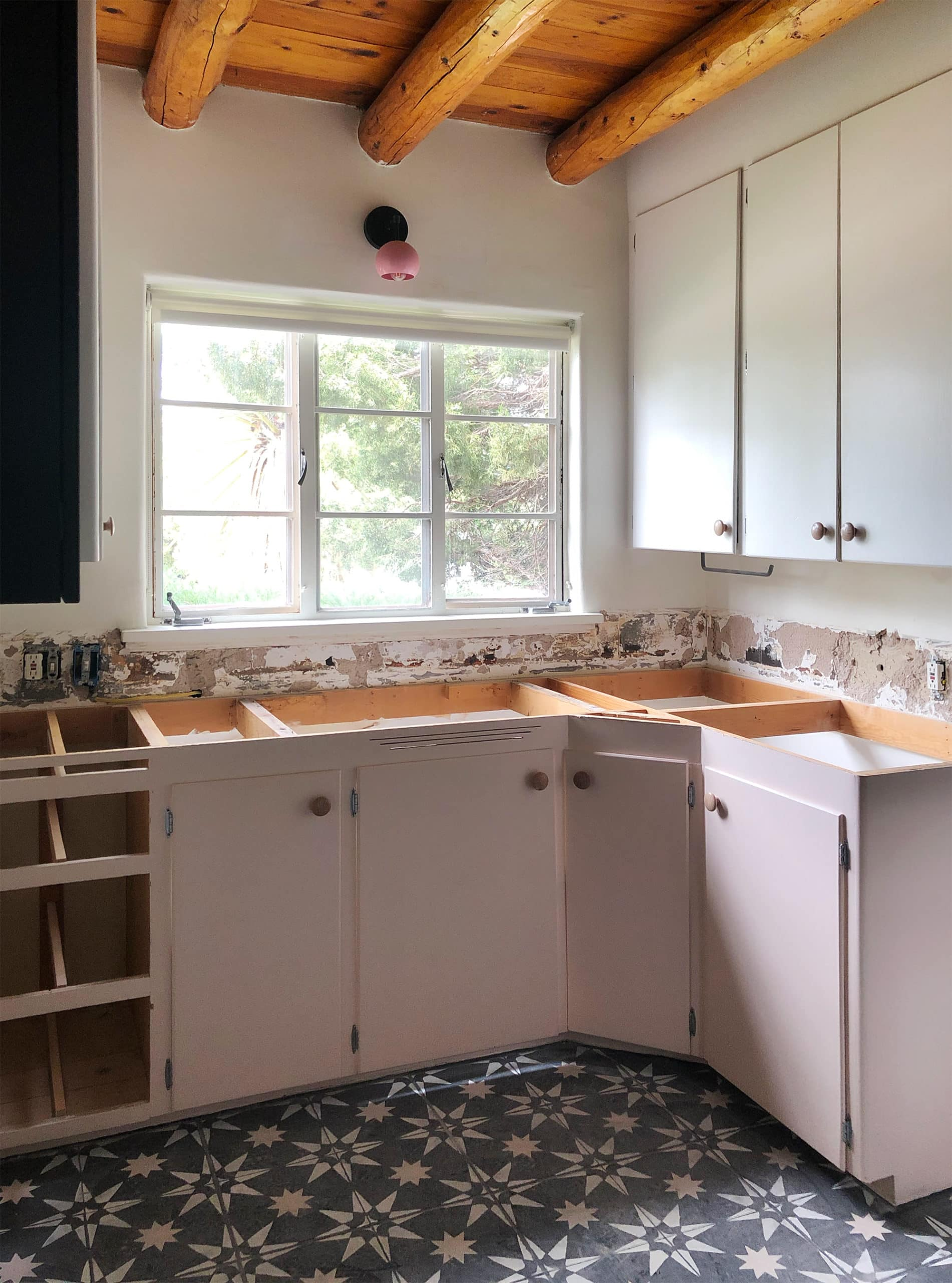 Countertop demolition - doorsixteen.com