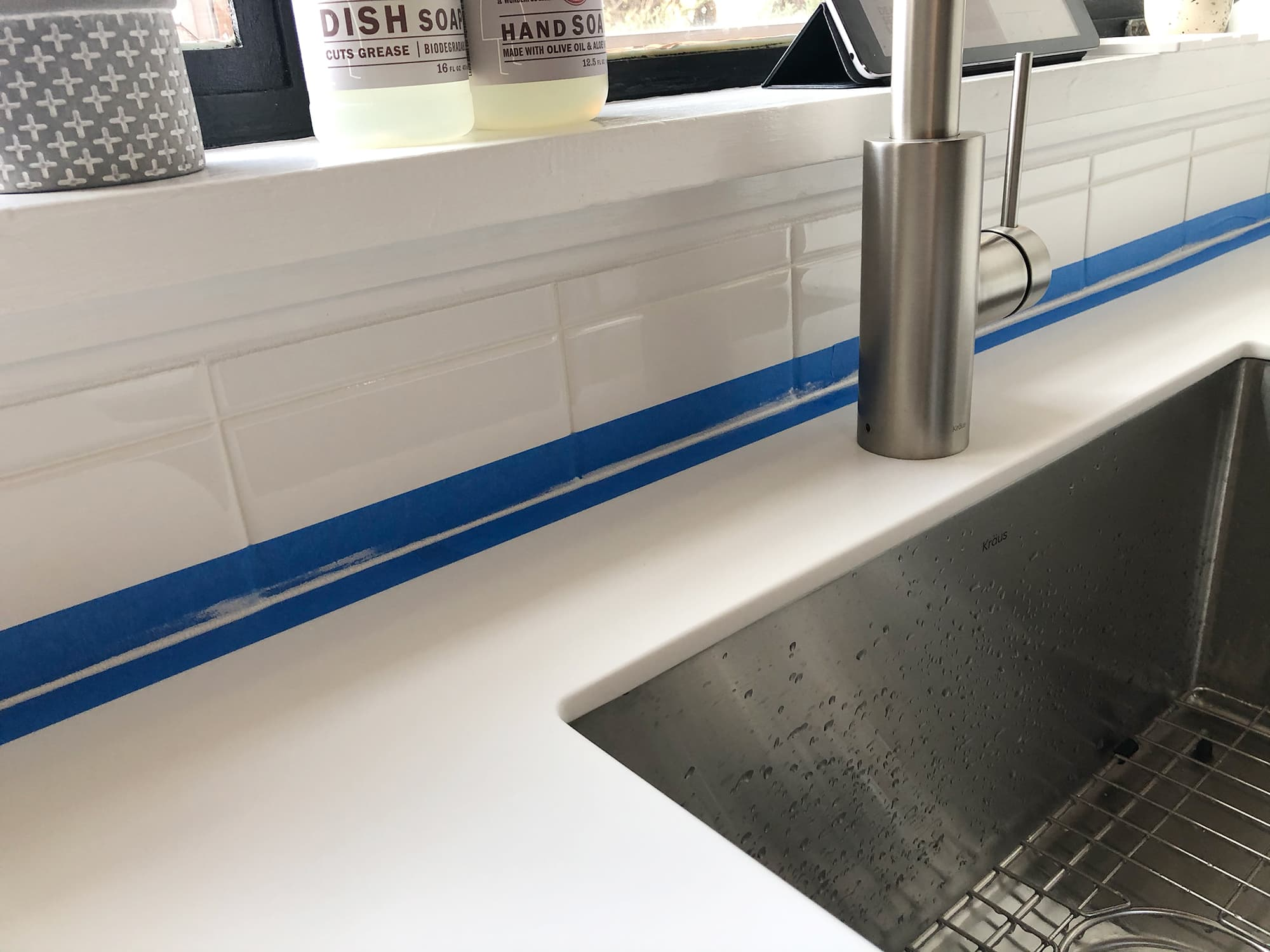 Installing a stacked bond subway tile backsplash